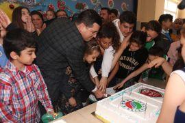 Kepez'in çocuklarına doğum günü kutlaması
