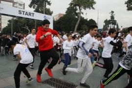 3 bin öğrenci, Antalya'nın fethi için koştu