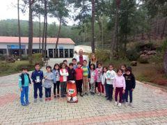 Alanya'da hayvan barınağı minik ziyaretçilerini ağırladı