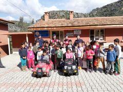Alanya'da jandarmadan öğrencilere trafik dersi