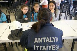 Antalya'da, 'kızlar da yapabilir' etkinliği