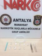 Antalya'da bir araçta uyuşturucu madde ele geçirildi