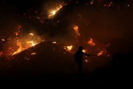 Antalya'da çöp toplama merkezinde yangın devam ediyor