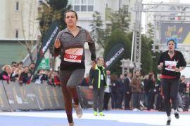 Antalya'da kadınlar, 'Yüksek Topuk'ladı