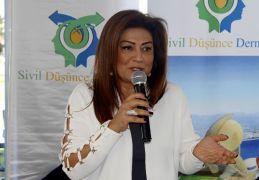 Antalya Büyükşehir Belediye Başkanı Menderes Türel'in eşi trafik kazası geçirdi