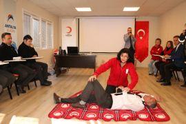 Antalya Ulaşım A.Ş. şoförlerine ilk yardım eğitimi