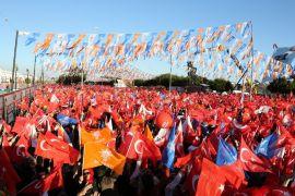 """Erdoğan: """"CHP'lileri de kurtaralım yoksa bu adam gitmez"""""""