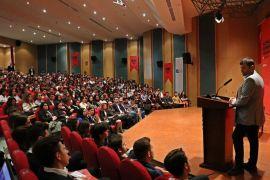 İş dünyası ve akademisyenler, gençler için buluştu