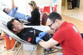 Konyaaltı Belediyesi'nden kan bağışına destek