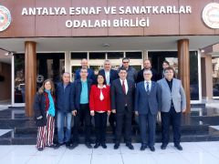 Oktay'dan Büyükşehir adaylarına çağrı: