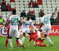 Spor Toto Süper Lig: Antalyaspor: 3 – Aytemiz Alanyaspor: 0 (Maç sonucu)