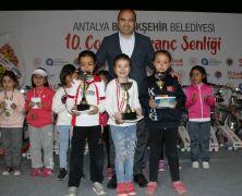 23 Nisan Çocuk satranç şenliği yapıldı