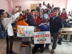 AÜ öğrencileri minik ellere yardım eli uzattı