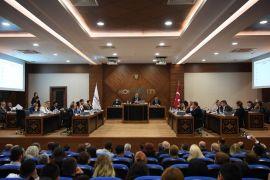 Konyaaltı'nda Semih Esen başkanlığında ilk meclis