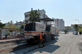 Muratpaşa'da yeni dönemin ilk çalışması Güzeloba Mahallesi'nde