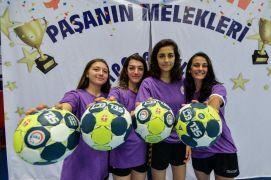 Muratpaşa Belediyespor, Kadınlar Gençler Türkiye Kupası'nda şampiyon oldu