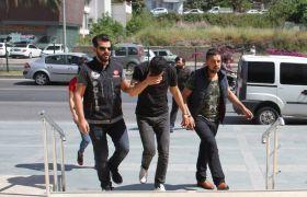 Alanya'da şüpheli 2 araçtan eroin çıktı: 4 gözaltı