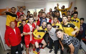 Döşemealtı Futbol Takımı namağlup şampiyon oldu
