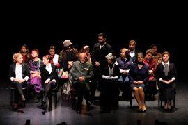Muratpaşa'da 'Sevgili Doktor' sahne aldı