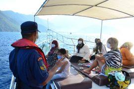 Antalya'da 8 gezinti, 2 tur teknesine işlem yapıldı