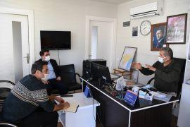 Konyaaltı Belediyesi, muhtarlarla tek tek görüşerek taleplerini dinliyor