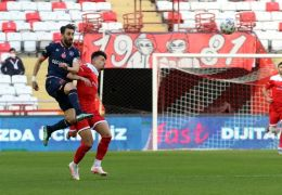 Süper Lig: FT Antalyaspor: 0 – Medipol Başakşehir: 0 (İlk yarı)
