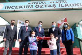 Alanya'da öğrenciler 2 ton 375 kilogram pil topladı