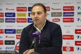 """Fuat Çapa: """"Antalyaspor karşısında bu kadar pozisyon bulan tek takımız"""""""
