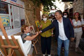 Başkan Uysal, Kaleiçi sokaklarındaki sanat çalışmalarını inceledi